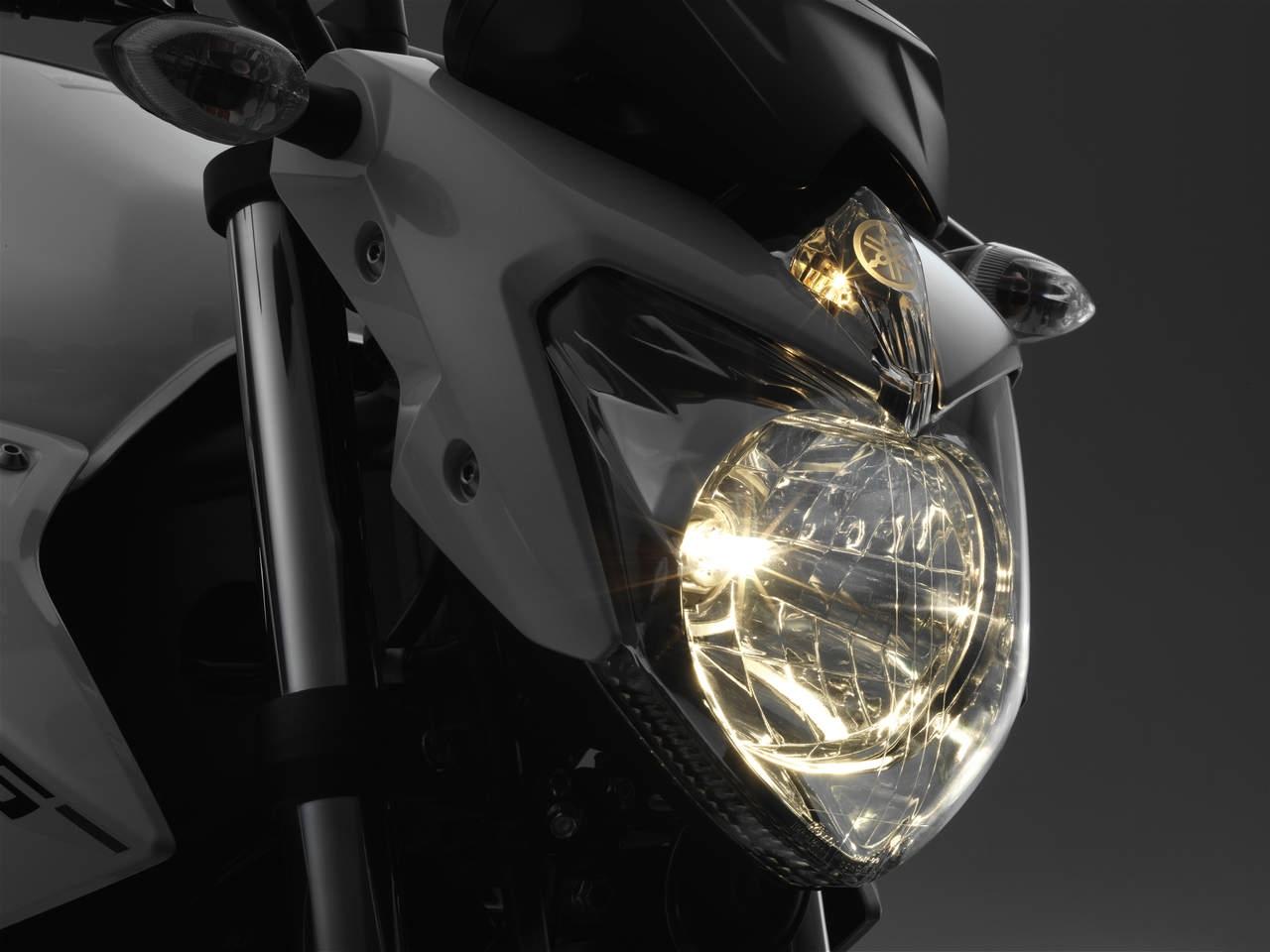 2013, terbaru sebut saja Kawasaki yang meluncurkan 2013 New Ninja 250