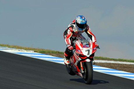 Carlos-Checa-enduo-Phillip-Island-WSBK-Ducati-Alstare