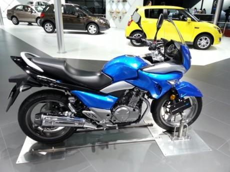 Suzuki-Inazuma-GW250S
