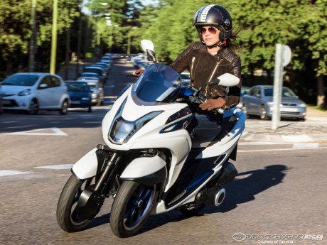 2014_Tricity_Concept-bikes_Compact-and-light-weight