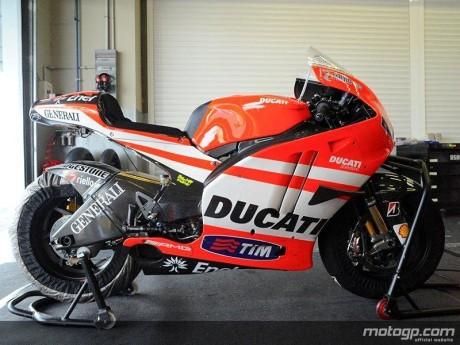 2011 Ducati - Rossi