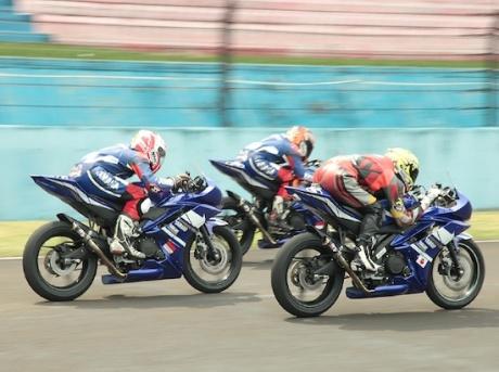 R15 RACE