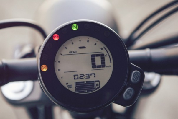 XSR700 speedometer