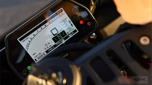 Yamaha-YZF-R1S-2