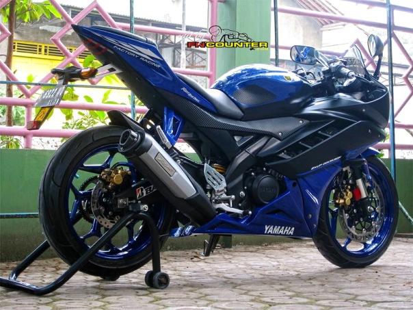 R15 RaceBlu 1